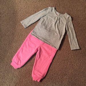 EUC Circo Fleece Lined Sweatpants & Gray Shirt